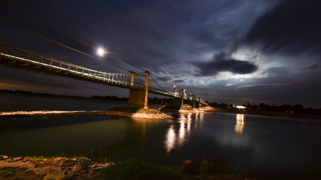 Soir de double lune sur la Loire